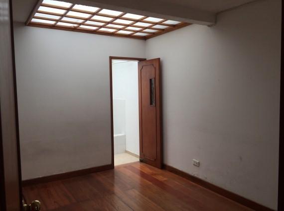 Casa en San Marcel Código: 19681